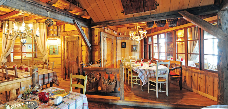 France_Val-Thorens_le_portillo_dining.jpg